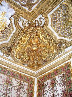 Ceiling of Marie Antoinette's bedroom.