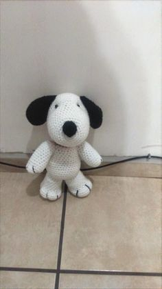 This short pattern let learns how to crochet amigurumi snoopy. This tutorial and pattern is available totaly for free in below: More free crochet patterns? Crochet Baby Hat Patterns, Crochet Bunny, Crochet Baby Hats, Amigurumi Patterns, Crochet Animals, Crochet Dolls, Free Crochet, Knit Crochet, Snoopy Amigurumi