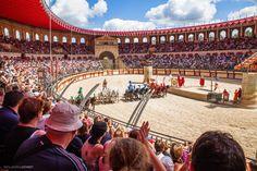 Le Signe du Triomphe - Puy du Fou #spectacle #romain #stadium #cheval #char #gladiateur #PuyduFou