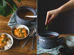Pindakaas is my best friend! Kan ik dat even op een tshirt gedrukt krijgen? Broodjes pindakaas met sambal en komkommer, zelfgemaakte peanutbutter cups of gewoon met een lepel in de pot… ik hou ervan! Het is dus niet zo gek dat ik weer een pindakaasrecept met jullie deel: deze keer een curry. Deze is dus … Lees verder Pindacurry →