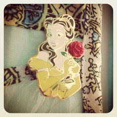 Disney trading pins : Belle