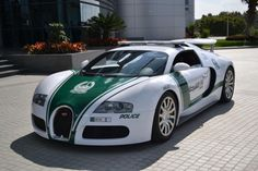Les voitures de police de Dubaï - http://www.2tout2rien.fr/les-voitures-de-police-de-dubai/