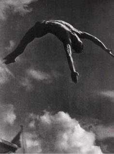 Chicago Beach, Photo by Karl Oeser Old Photos, Vintage Photos, Asian Men Long Hair, Chicago Beach, Leni Riefenstahl, Diving Springboard, Suspended Animation, Portrait Pictures, Pin Up