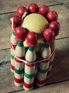Ancien jeu de quilles en bois  Retrouvez cette annonce sur : http://www.leboncoin.fr/annonces/offres/bretagne/?o=1q=antiquaillerie
