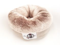 Bespoke Pets is an online e-commerce website that provides Cat Beds, Cat Blankets, Dog Beds & tunnels for quirky critters. Coral Bedding, Dog Bed, Donuts, Bean Bag Chair, Kitten, Fur, Pets, Home Decor, Frost Donuts