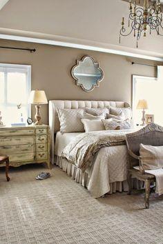 Спальня в цветах: Бежевый, Белый, Коричневый, Светло-серый, Серый. Спальня в стиле: Прованс.