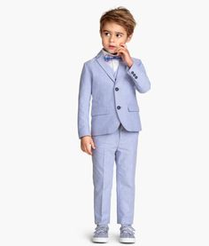 Shop kids clothing and baby clothes at H&M – We offer a wide selection of children's clothing at the best price. Baby Boy Dress, Baby Suit, Cute Kids Fashion, Boy Fashion, Stylish Outfits, Boy Outfits, Light Blue Suit, Beach Wedding Bridesmaids, Cute Little Boys