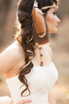 A Native American bridal session celebrating the bride's Choctaw Nation heritage // photo by Picturesque Photos by Amanda: http://www.picturesquephotosbyamanda.com || see more on http://www.artfullywed.com