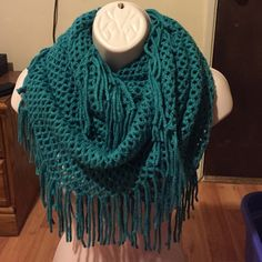Chunky knit scarf NEW feel free to ask any questions you may have Accessories Scarves & Wraps
