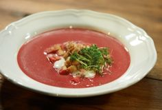Aromawunder! Die Mühe lohnt sich: Weil die Rote Bete im Salzteig gart, schmeckt sie schön süß und superintensiv.