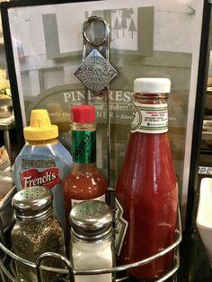 https://flic.kr/p/RNTQuF | inside Pinecrest Diner in San Francisco | www.placesiveeaten.com/blog/pinecrest-diner-san-francisco