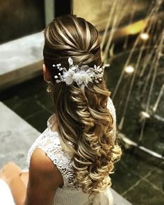 The Prettiest Bridal Hairstyles From Real Weddings Formal Hairstyles, Hairstyles Haircuts, Wedding Hairstyles, Beach Wedding Hair, Hair Styler, Bridal Updo, Wedding Looks, Prom Hair, Your Hair
