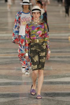 Chanel Resort 2017 Fashion Show - Romy Schoenberg