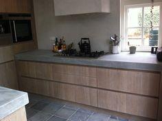 natural-living-concrete counter in anthracite Basement Kitchen, Home Decor Kitchen, Kitchen Flooring, Kitchen Interior, Home Kitchens, Industrial Style Kitchen, Rustic Kitchen Design, Contemporary Kitchen Design, Concrete Kitchen