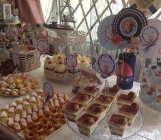 Torturi - Viorica's cakes: Candy Bar Navy pentru botez Eric Christian Bar, Christian, Candy, Desserts, Food, Tailgate Desserts, Deserts, Eten, Christians