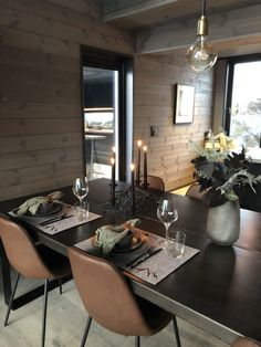 Lun hytte i Sogndal - Vyrk Dining Tables, Dining Room, Cabin Fever, Dark Wood, Decoration, Modern Farmhouse, Claire, Cottage, Homes