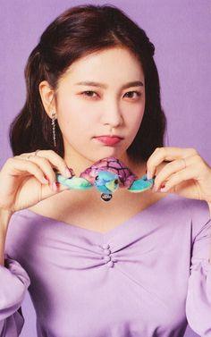 Seulgi, Kpop Girl Groups, Korean Girl Groups, Kpop Girls, Park Sooyoung, Red Velvet イェリ, Red Velvet Photoshoot, Velvet Wallpaper, Kim Yerim