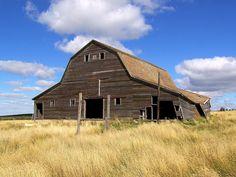 Prairie Barn by im pastor rick, via Flickr