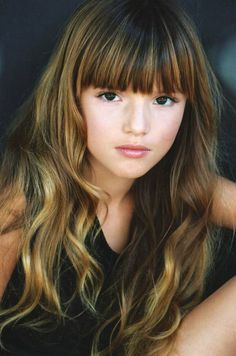 this is Bella Thorne as a kid and I really LOVE this photo because she look adoreable and very pretty! [Bella Thorne as Rose Granger-Weasley] Cute Hairstyles, Braided Hairstyles, Cute Bangs, Long Hair With Bangs, Hair Day, Her Hair, Hair Inspiration, Curly Hair Styles, Hair Makeup