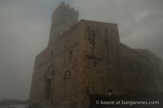 daily image from barga - 18th November 2016 - click on this link to view the image in full screen - http://www.barganews.com/2016/11/18/18th-november-2016/ #duomo #barga #barganews #fog #clouds #mist