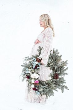 Winter maternity photos Source by zseder Winter Maternity Photos, Maternity Pictures, Christmas Photography, Winter Photography, Winter Maternity Photography, Photography Props, Children Photography, Newborn Photography, Family Photography