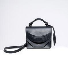 Black Italians, Leather Bags Handmade, Cow Leather, Textile Prints, Italian Leather, Dust Bag, Fanny Pack, Shoulder Strap, Hip Bag