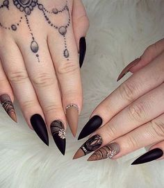 Do you want to try stiletto nails, too? Look at our carefully selected Best Stiletto Nails Art Designs, hoping to give you the best inspiration. Simple Art Designs, Long Nail Designs, Gel Nail Designs, Stiletto Shaped Nails, Matte Stiletto Nails, Coffin Nails, Long Nail Art, Modern Nails, Stylish Nails