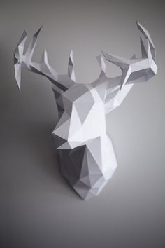 DIY Paper Reindeer Head (Just in time for Christmas!) DIY Paper Reindeer Head (Just in time for Christmas! 3d Paper Crafts, Diy Paper, Paper Crafting, Diy Crafts, 3d Templates, Origami 3d, Oragami, Origami Paper, Reindeer Head