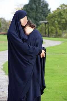 Jilbab de portage / allaitement chez Confections OumK