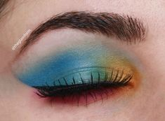 Colorful Blue Eyeshadow look with NYX Ultimate Brights Palette – The Glamform – Makeup Fall Eyeshadow Looks, Eyeshadow For Blue Eyes, Bright Eyeshadow, Eyeshadow Tips, Blending Eyeshadow, Colorful Eyeshadow, Eyeshadow Makeup, Eyeshadow Palette, Eyeliner