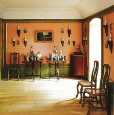 Salmon and mossy green walls with gold trim - Chinese Pavilion featured in the May 1996 issue of World of Interiors