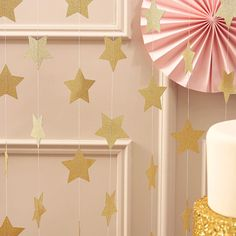This Ginger Ray Pastel Perfection Glitter Gold Star Garland features cardstock stars covered in gold glitter attached to it. Make any party shine by decorating it with these glitter gold stars! Bachelorette Party Supplies, Graduation Party Supplies, Kids Party Supplies, Gold Wedding Decorations, Balloon Decorations, Halloween Costume Shop, Halloween Costumes For Kids, Party Girlande, Balloons Online