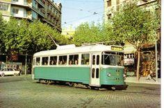 Tranvía con puertas automáticas, linea 62 Rogent-Sants, Barcelona.