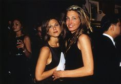 I have a few here of Carolyn with Kate Moss, Jennifer Aniston, Calvin Klein, Kelly Klein, Paul Wilmot and I believe Peter Bergen? Included are some doubles that are more close-up. If you right cli… Carolyn Bessette Kennedy, John Kennedy Jr., Los Kennedy, Jennifer Aniston, Blair Waldorf, Cara Delevingne, Olivia Palermo, Gossip Girl, Verona