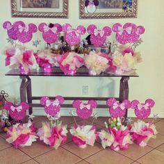 Minnie mouse birthday party - Minnie mouse center pieces easy to make diy