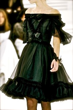 Chanel. ohhh.... my ..... may i please have this? thank you?!!