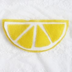 Make a cute lemon coin purse using just two supplies! Click for tutorial.