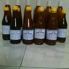 100% harvested from jungle beehive.   small bottle 325ml  Madu dari tawon Gunung  ukuran botol kecil 335ml  100% alami  bukan dari ternak, melainkan langsung diambil dari hutan! barang langka!!!  buy it just $25/Rp. 300.000