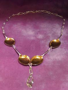 Soisalo-opiston käsityöblogi: Hopeakorut Silver Spoons, Jewelery, Helmet, Chain, Silhouette, Jewlery, Jewels, Hockey Helmet, Schmuck