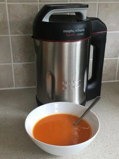 I just had this Red Pepper and Chilli Soup in my Morphy Richards Soup Maker. The chillies definately helped soothe my rotten cold and sore throat I woke up with this morning! Red Pepper Soup, Stuffed Pepper Soup, Stuffed Peppers, Asda Recipes, Cooking Recipes, Recipies, Veggie Recipes, Morphy Richards Soup Maker, Slimming World Soup Recipes