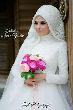 Bride                                                                                                                                                                                 More Muslim Wedding Gown, Muslimah Wedding Dress, Hijab Style Dress, Muslim Wedding Dresses, Bridal Dresses, Bridesmaid Dresses, Hijab Chic, Wedding Hijab Styles, Pagan