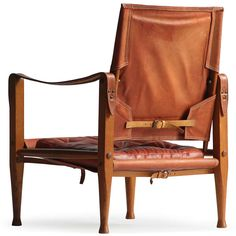 The Safari Chair By Kaare Klint was one of the first do-it-yourself high design pieces. it can easily be assembled and disassembled without tools, making it ideal for being on the move. Klint designed his Safari Chair in 1933 and was inspired by the English officers chair he had seen in a travel guide from Africa to create a lightweight, portable armchair.