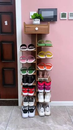 Diy Home Gym, Home Fix, Diy Home Crafts, Diy Home Decor, Wood Shoe Rack, Diy Shoe Rack, Best Shoe Rack, Entryway Shoe Rack, Wood Shoe Organizer