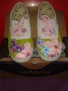 zapatillas pintadas a mano. Flores