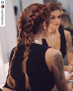 Ela veio enfeitar minha bancada, com a sua beleza e delicadeza... #Repost @camilasenna with @repostapp. ・・・ Ready! Let's go @lollapaloozabr ✨make @rodolfoalmeida_makeup trançamaravilosadeusadavida @sandrodessou