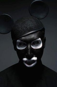 Gottfried Helnwein - Souriez vous êtes Mickey...