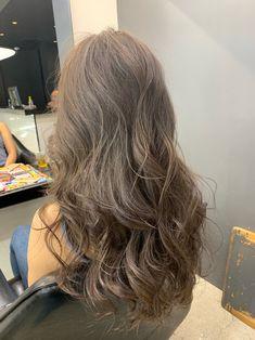 Brown Wavy Hair, Light Brown Hair, Permed Hairstyles, Pretty Hairstyles, Medium Hair Styles, Curly Hair Styles, Korean Hair Color, Aesthetic Hair, Great Hair