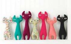 stuffed cats, site also has pics of rabbits, owls & trees