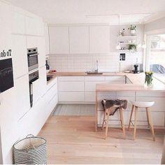 Scandinavian Kitchen, Scandinavian Interior Design, Interior Design Kitchen, Scandinavian Style, Minimalist Scandinavian, Room Interior, New Kitchen, Kitchen Dining, Decorating Kitchen