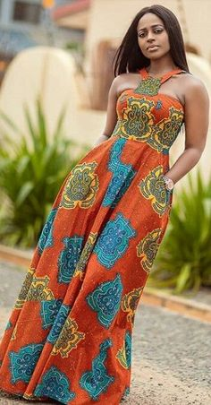 Latest African Print fashion dresses for women Cameroonian makeup artist Shaitou Cho sizzles in soft makeup glam look for spring. She wore a multi-print open back Ankara maxi dress with Kitenge head tie African Fashion Ankara, African Inspired Fashion, Latest African Fashion Dresses, African Print Fashion, Africa Fashion, African Style, African Women Fashion, Ghana Fashion, African Men